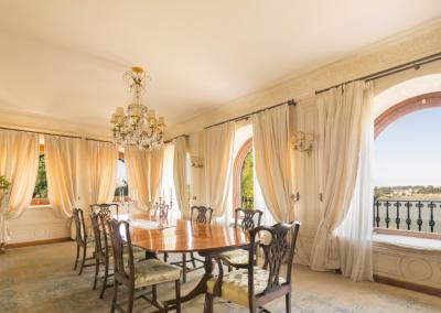 The Golden Villa - the dining room