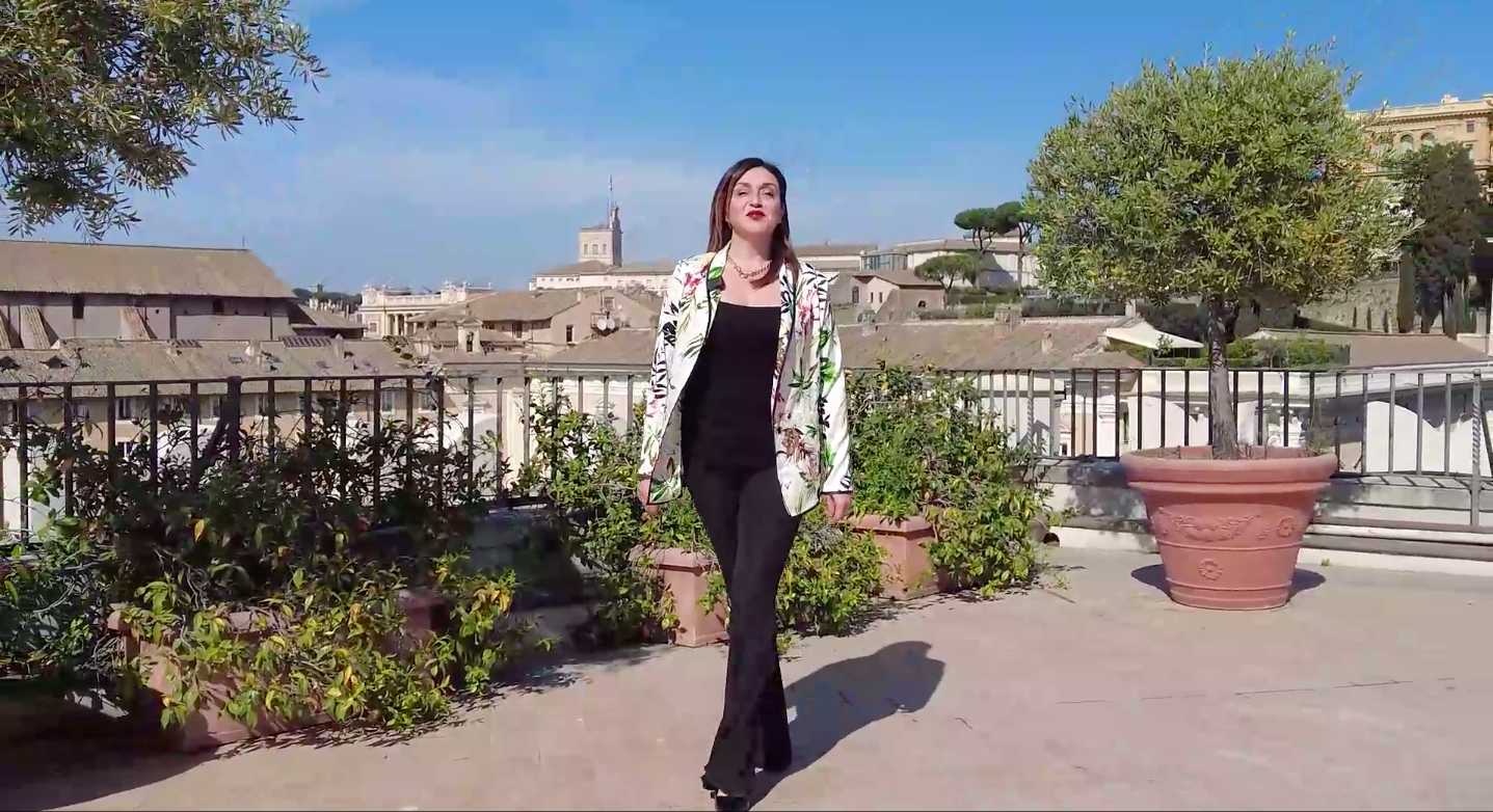 Silvia Rossi su una terrazza a Roma